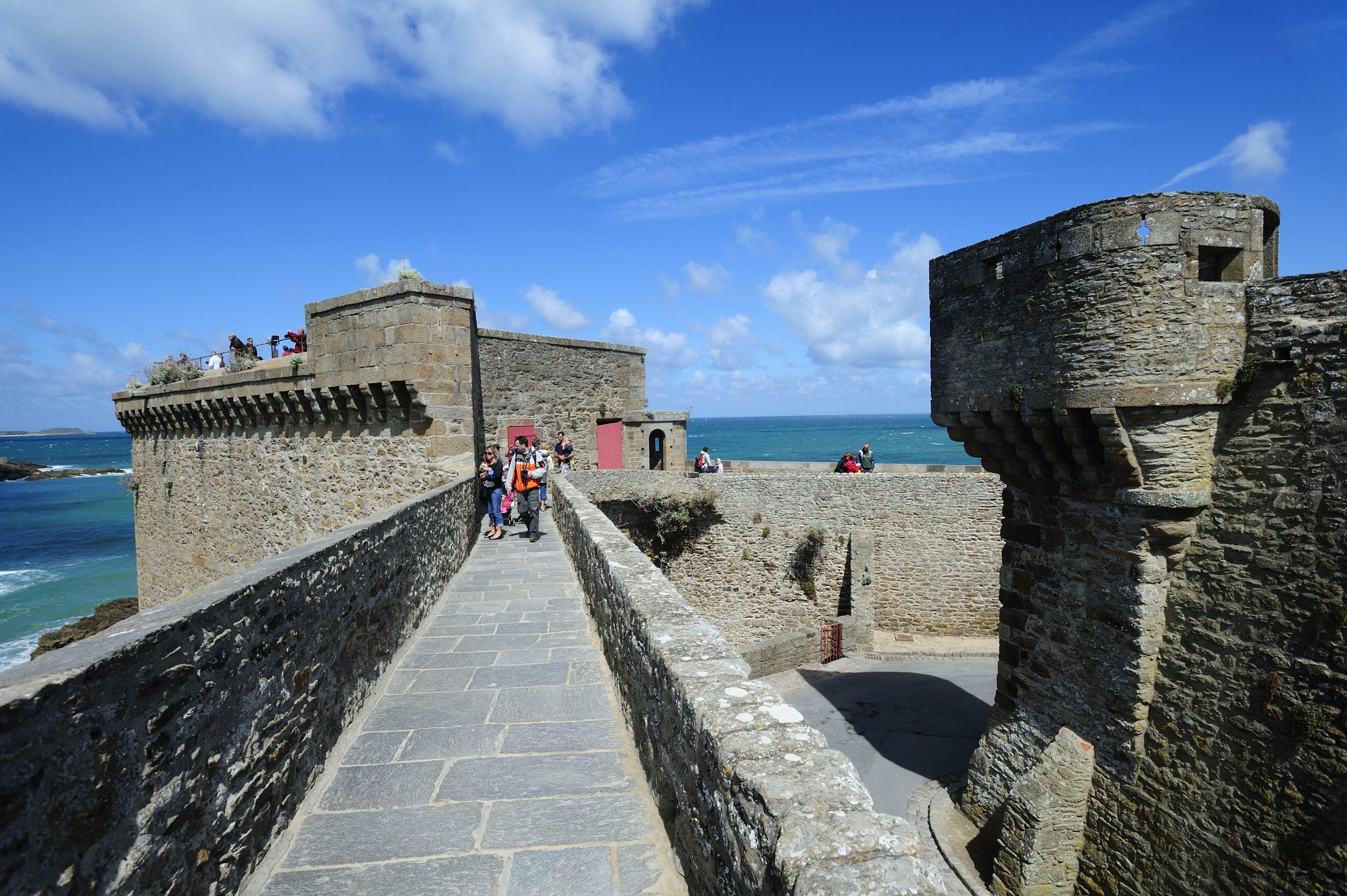 Les balades et randonnées à Saint-Malo remparts intra-muros