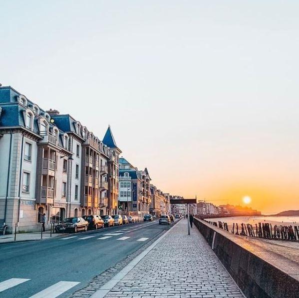 Les couchers de soleil à Saint-Malo sur la sillon